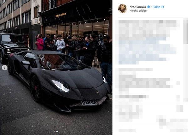 Rus sosyal medya fenomeni Daria Radionova, Lamborghini Aventador aracının yüzeyini Swarovski kristalleri ile kapladı.