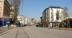 Bursa'nın meydan ve yolları sessizliğe büründü