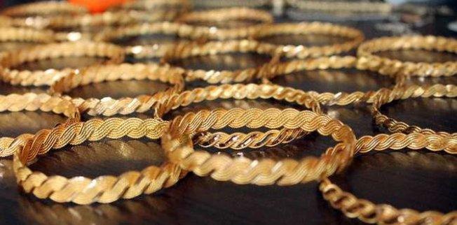 4 aylık evli kadın altınları alıp kaçtı