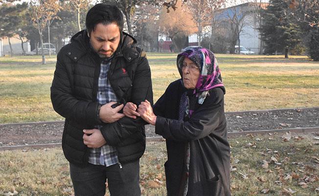 90 yaşındaki kadın dolandırıcıların kurbanı oldu!