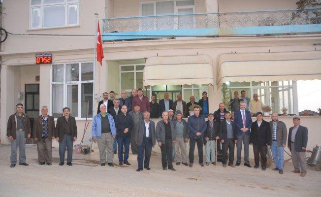 Başkan Ali Özkan, vatandaşlarla bir araya gelmeye devam ediyor