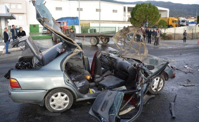 Feci kaza: 2 ölü, 3 yaralı!