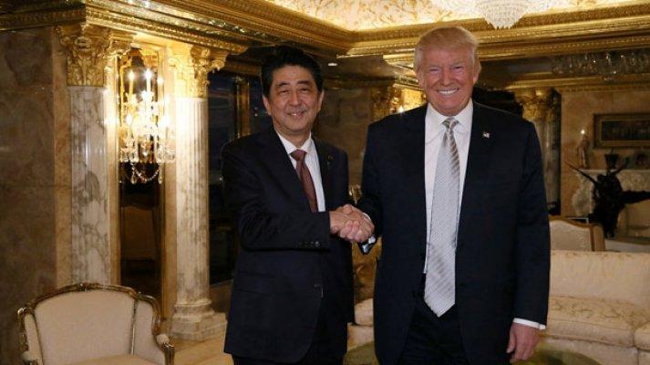 Trump'ın ilk görüştüğü lider Japonya Başbakanı oldu
