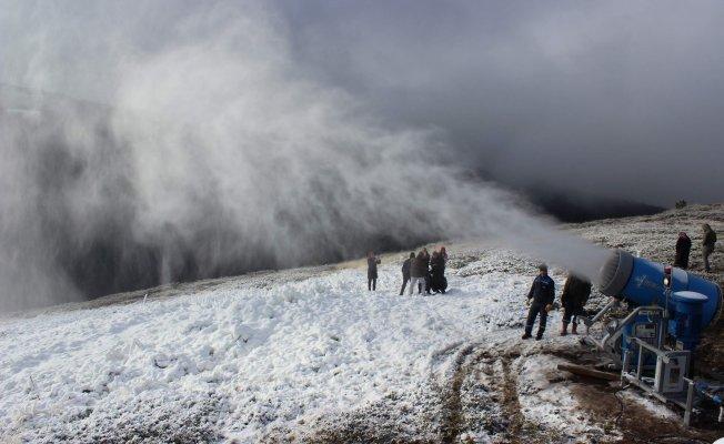 Uludağ'a mevsiminden önce kar!