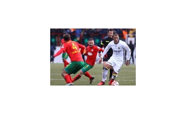 Amedsporlu 2 futbolcuya gözaltı