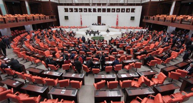 Meclis'te 'yeni anayasa' mesaisi başlıyor