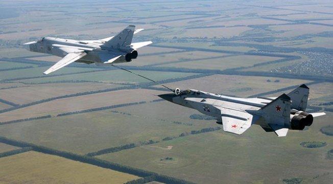 Rus jetleri El Bab'ta ilk kez DEAŞ'ı vurdu!
