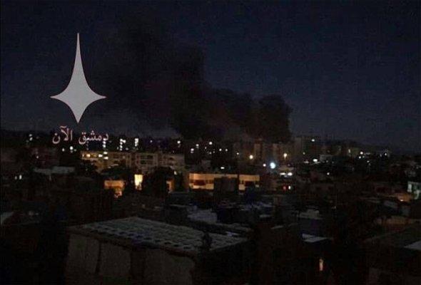İsrail savaş uçakları Suriye'de askeri havaalanını vurdu!