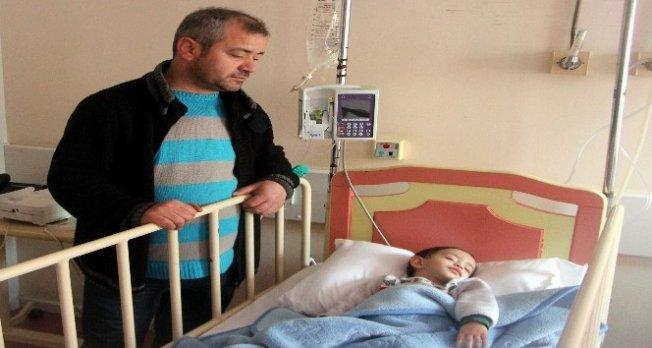 Küçük çocuk Bursa'da nefes kesen operasyonla  kurtarıldı!