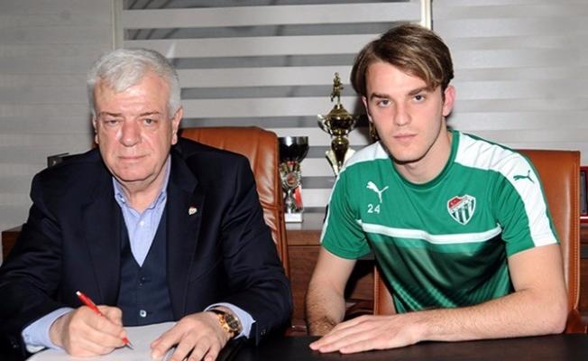 Bursaspor genç isimle sözleşme uzattı!