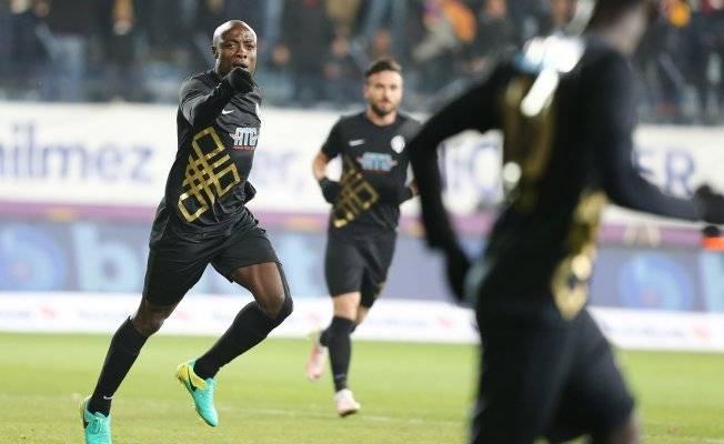 Webo, Bursaspor'u seviyor