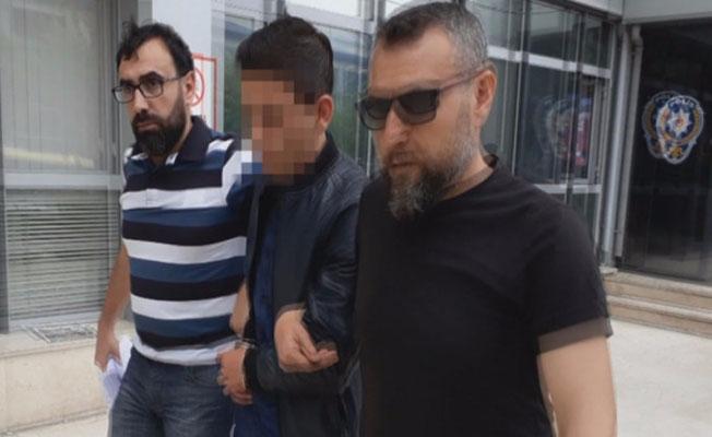 """Bursa'da """"FETÖ'den kurtaracağım"""" diyerek yaşlıları dolandırdı"""
