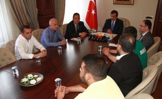 Bursaspor tribün liderleri Vali Küçük ile buluştu