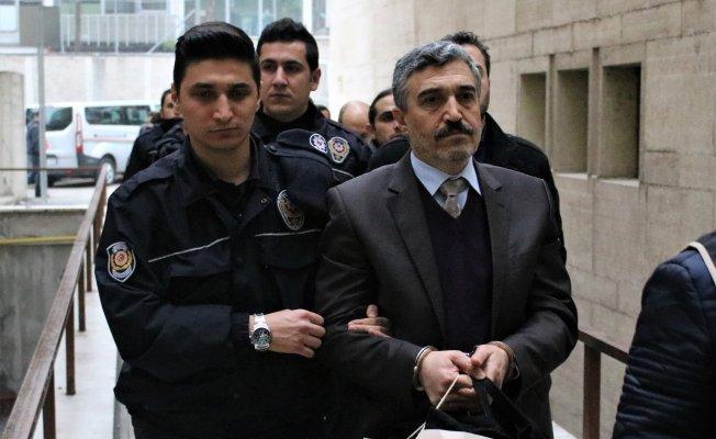 Bursa'da FETÖ'den yargılanan dekana tahliye!