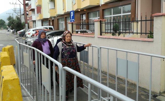 Bursa'da köpek dehşeti! Yaşlı kadını kafasından ısırdı!