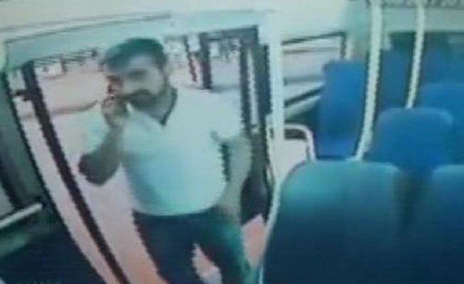 Bursa'da minibüsteki paraları çalan hırsız aranıyor!