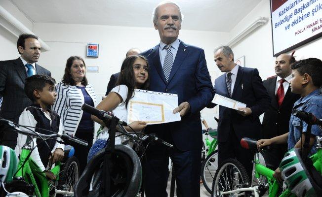 Bursa'da 570 bin öğrenci karne aldı