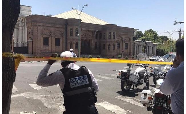 İran'da çifte terör saldırısı!