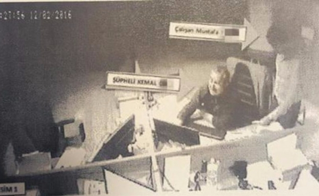 Rüşvet çetesi kameraya yakalandı!