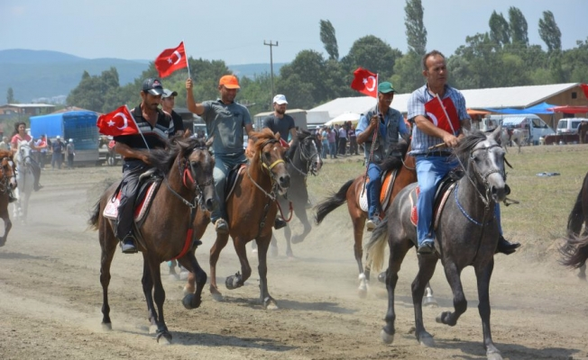 Bursa'da 15 Temmuz için koştular!