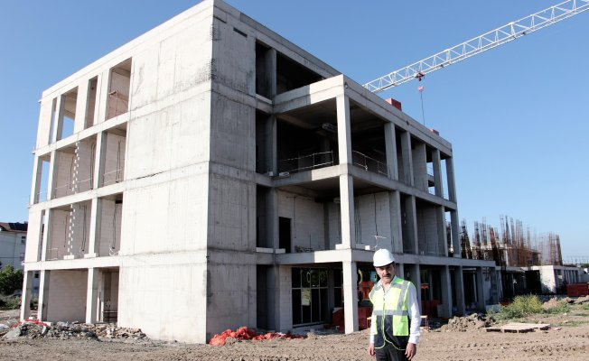 Bursa'da hastane binası hızla yükseliyor