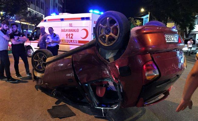 Bursa'da kontrolden çıkan otomobil takla attı!