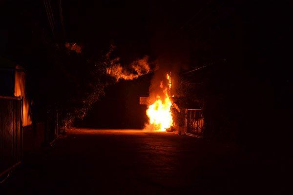 Hedef şaşırtmak için bekçi kulübesini ateşe verdiler!