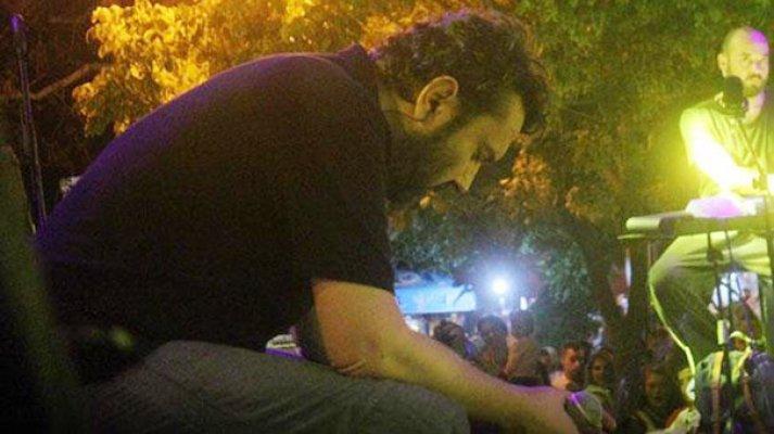 Babasını kaybeden Halil Sezai: Çıkmasam seyirciye ayıp olurdu