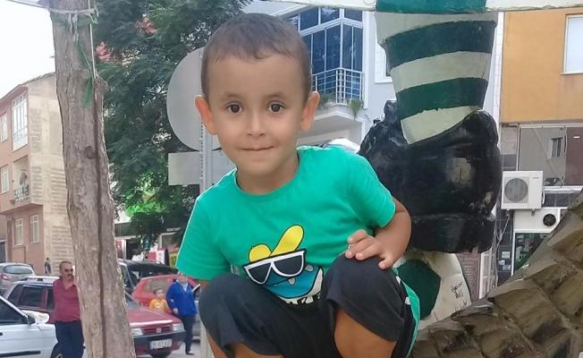 Bursa'da genç adam oğlunu da alıp ortadan kayboldu