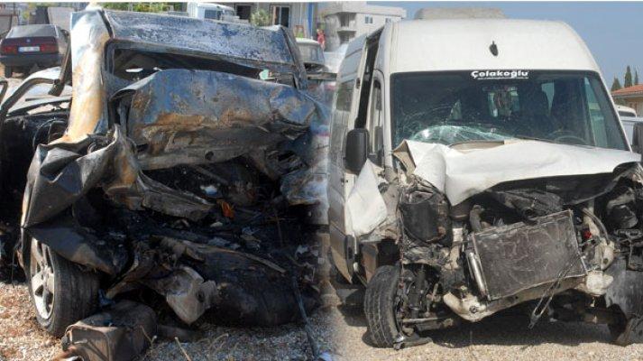 Polisin durdurduğu otomobile minibüs çarptı! 2 kişi öldü