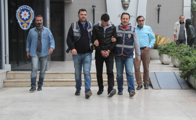 Bursa'da 15 bin euroyu kendi eliyle dolandırıcıya verdi
