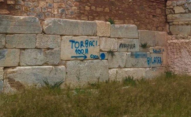 Bursa'da zehir tacirleri uyuşturucuya giden yolu okla işaretledi