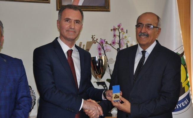 Bursa İnegöl'de Alper Taban resmen başkan