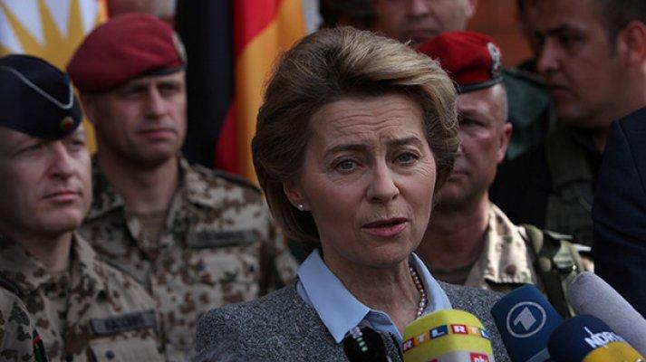 Alman bakana resmi törensiz karşılama!