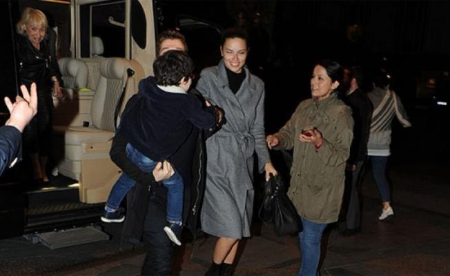 Adriana Lima'yı ailesiyle tanıştırdı!