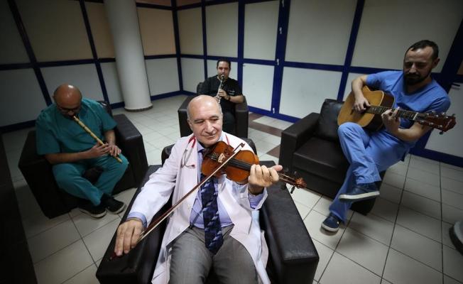 Bursa'da ''Kalp damar cerrahisi''nin müzisyen doktorları!