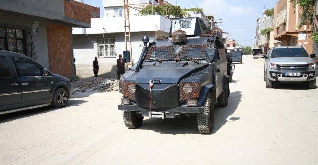 Adana'da PKK operasyonu: 5 kişi gözaltında