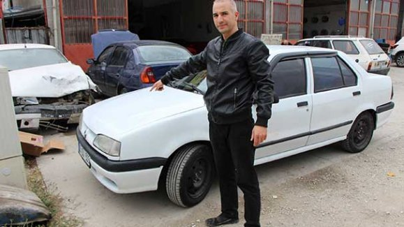 Arabanın önü 1996, arkası 2000 model çıktı!