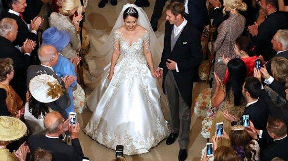Arnavutluk Prensi ünlü sanatçı ile evlendi