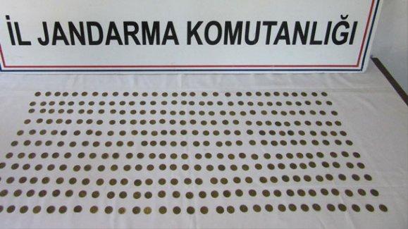 Burdur'da 340 sikke ele geçirildi
