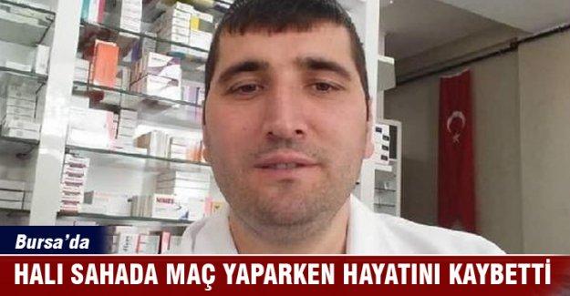 Bursa'da ecza teknisyeni halı sahada geçirdiği kalp krizi sonucu öldü