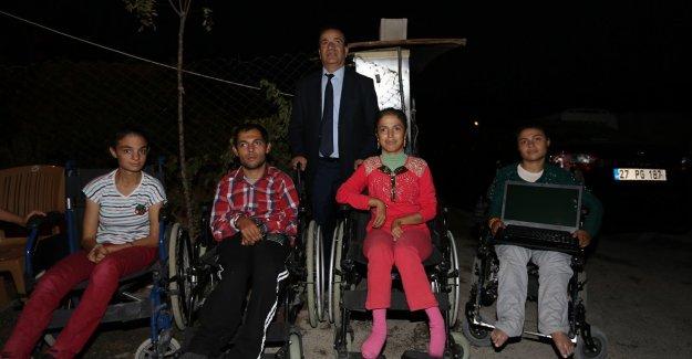 Büyükşehir engelli 3 kardeşin yaşamına dokundu