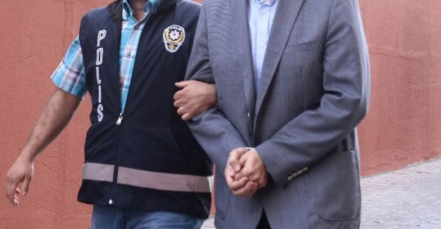 Cezaevi müdürüne FETÖ'den gözaltı