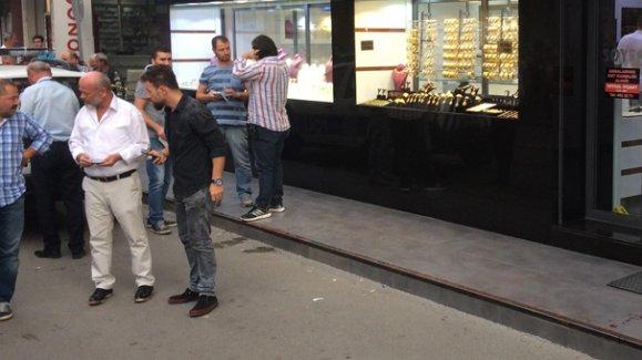 İzmir'de kuyumcu soygunu girişimi