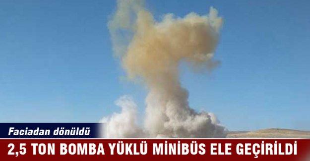 Mardin'de 2,5 ton bomba yüklü minibüs ele geçirildi