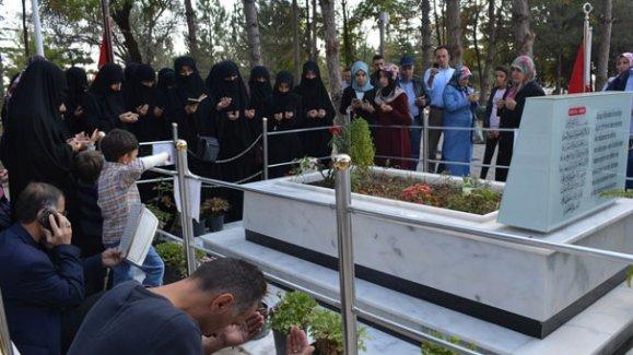 Şehit Ömer Halisdemir'in kayınvalidesinin cenazesi toprağa verildi