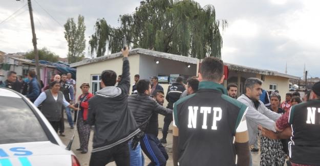 Tekirdağ'da hareketli dakikalar: Polise saldırdılar !