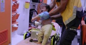 1 yaşındaki çocuk kolunu kıyma makinesine kaptırdı