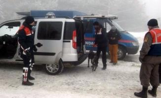 Jandarma Uludağ'da kuş uçurtmuyor!