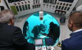 Türkiye'de bir ilk! Turistik denizaltı, ilk dalışını yaptı